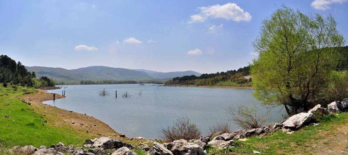 بحيرة داينيجي